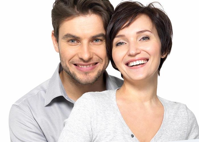 Når ældre kvinder søger yngre mænd - Bliv klogere på hvorfor